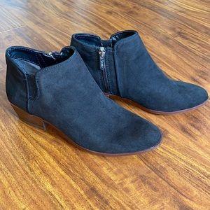 EUC Black Ankle Boots